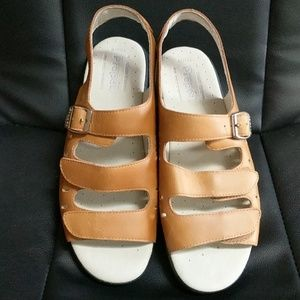 Breeze Walker sport sandals
